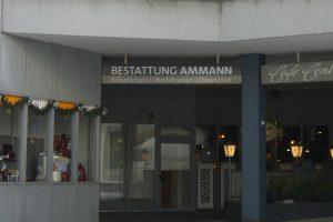 Eingang mit Schild Bestattung Ammann, Foto: Bestattung Ammann